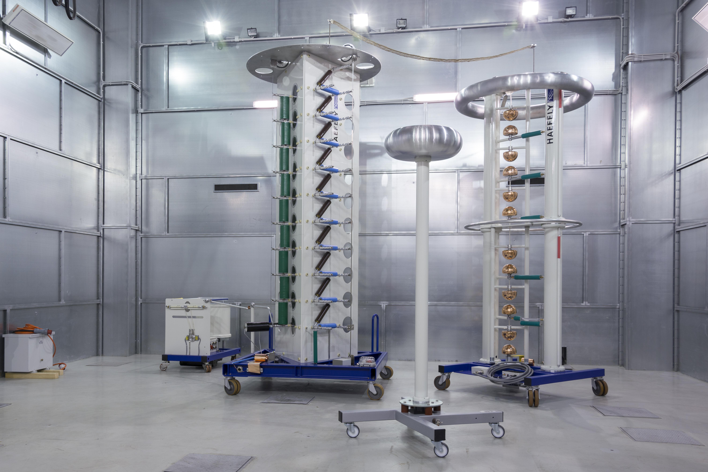 CVVOZE PowerLab - Rázový generátor v laboratoři vysokých napětí