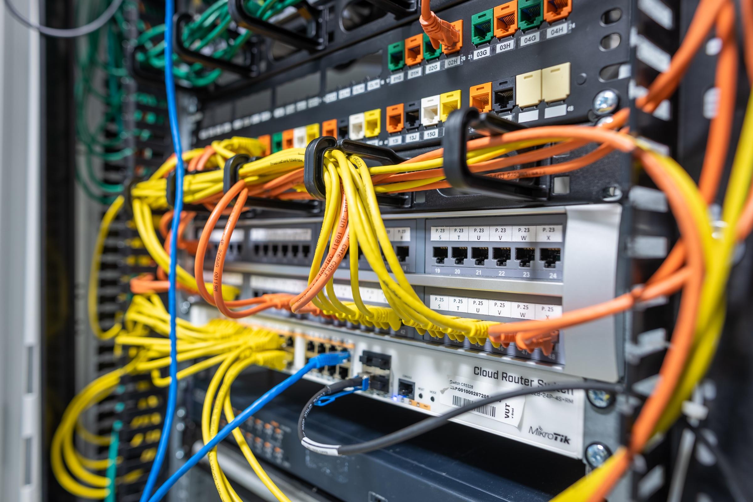 Fiber Optics Group - Vývojové pracoviště výzkumné skupiny Fiber Optics Group